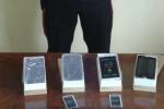 Vendeva smartphone contraffatti a Prizzi, denunciato un carinese