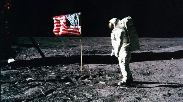 inchiesta, Uomo sulla luna, Sicilia, Mondo