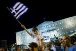"""Grecia, l'esplosione di gioia per il """"No"""" in piazza Syntagma - Foto"""