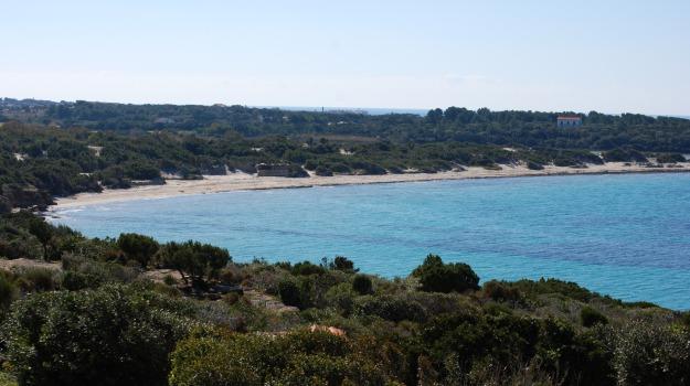 Sardegna, spiaggia, Sicilia, Cronaca