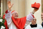 """Il cardinale Antonelli: """"L'ostia ai divorziati? Solo se non fanno sesso"""""""