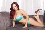 Carla Howe, la sexy coniglietta di Playboy picchia un giocatore della Roma - Video