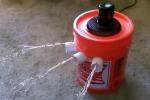 Secchio, ghiaccio e ventilatore: ecco come costruire un condizionatore in casa - Video