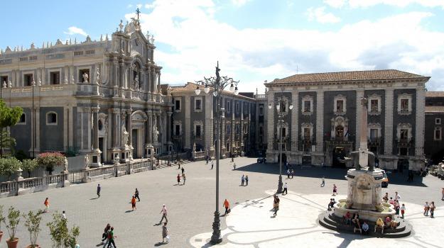 Piazza Duomo Catania, Catania, Cronaca