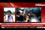Giornalista sviene in diretta per il troppo caldo: il video