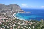 Perchè Mondello si chiama... Mondello? Storia e origini della località balneare simbolo di Palermo