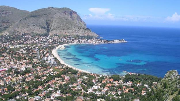 b&b, booking, tripadvisor, turismo, Sicilia, Economia