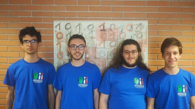 italiani, olimpiadi mondiali di informatica, Sicilia, Società