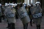Grecia, sì al piano Tsipras. Scontri davanti al parlamento: fermati 50 manifestanti
