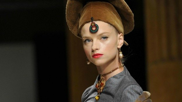 La moda rispolvera shakespeare: le creazioni di curiel giornale di