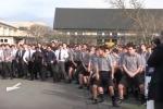 Danza Maori al funerale del professore: l'esibizione di 1700 studenti in Nuova Zelanda - Video