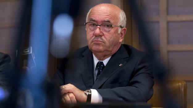 dimissioni tavecchio, Figc, presidente figc, carlo tavecchio, Sicilia, Sport