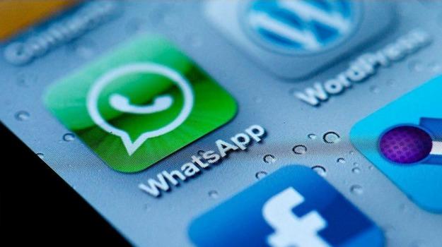 applicazione, whatsapp, Sicilia, Società
