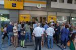 Tsipras alla Merkel: nuove proposte e in Grecia le banche restano chiuse fino a mercoledì