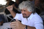 "Grillo: ""Per le feste auguri all'Onesto, Disonesti in galera"""
