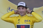 Tour de France, Nibali in ritardo: maglia gialla a Cancellara - Video