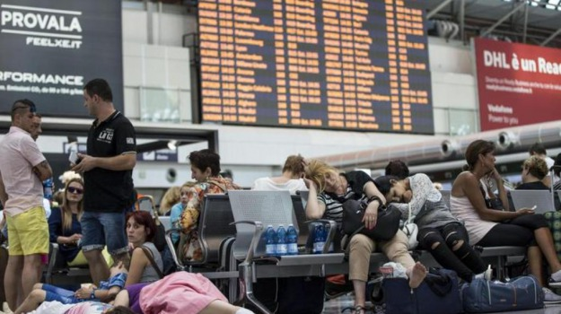 Aeroporto, blackout, disagi, fiumicino, incendio, roma, Sicilia, Cronaca