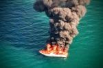 Va in fiamme e poi affonda, paura a bordo di uno yacht - Foto