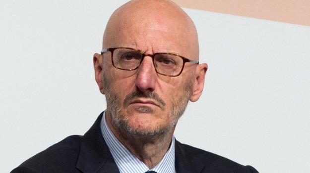 Poste Italiane, Francesco Caio, Sicilia, Economia