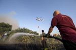 Stretto Giordano, fuoco all'ex discarica comunale