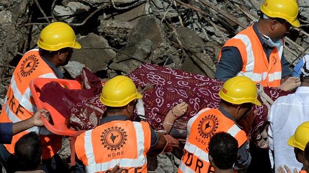 crollo, feriti, india, Mumbai, palazzina, vittime, Sicilia, Mondo