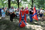 """Usa, volantini e slogan """"Potere ai bianchi"""": il Ku Klux Klan torna in piazza"""