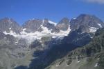 Troppo caldo, ghiacciaio si scioglie e affiorano resti umani: forse un alpinista o un soldato
