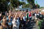 Proteste per l'arrivo dei migranti: tensioni a Roma, nel Trevigiano profughi trasferiti