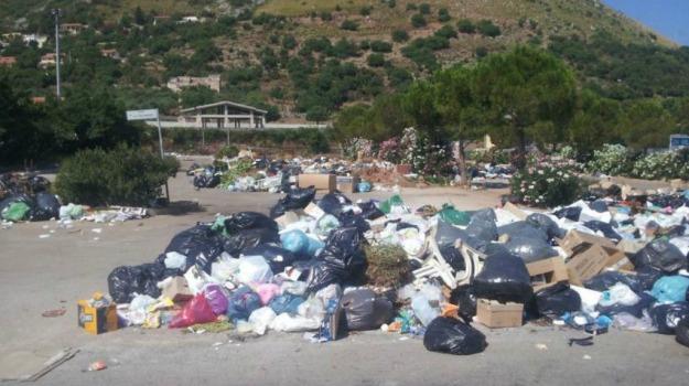 carini, emergenza rifiuti, partinico, Giovì Monteleone, Salvatore Lo Biundo, Palermo, Economia