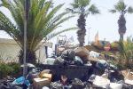 Rifiuti, continua la protesta degli operatori ecologici ad Agrigento