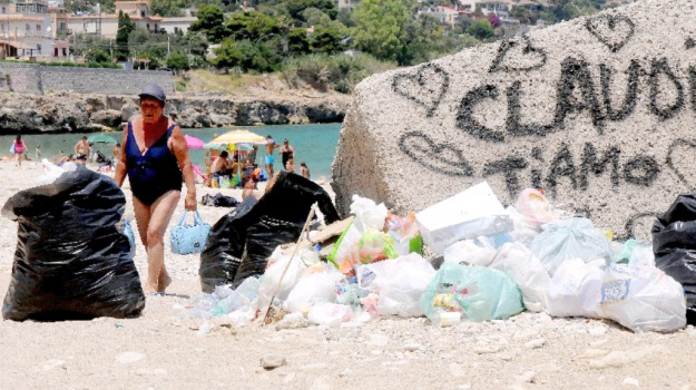 Palermo, rifiuti, spiagge, Palermo, Cronaca