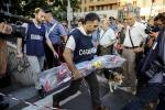 Bimbo morto nella metro di Roma, ci sono tre indagati