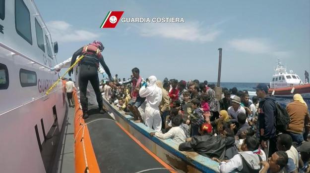 immigrazione, migranti, sbarchi, Sicilia, Palermo, Cronaca