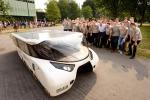 Ecco l'auto che con i raggi solari può percorrere mille chilometri - Foto