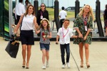 Formula Uno, al Gp di Silverstone arrivano le ex Spice Girls con figli - Foto