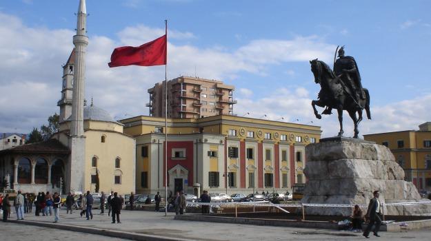 albania, estate, vacanze, Sicilia, Economia