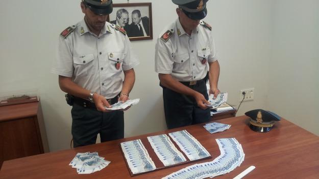 arresto, banconote, false, guardia di finanza, Palermo, porto, Palermo, Cronaca