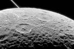 La sonda Cassini pronta a incontrare la luna di Saturno Dione