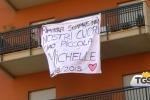 Bimba caduta dal balcone, a Palermo i funerali di Michelle