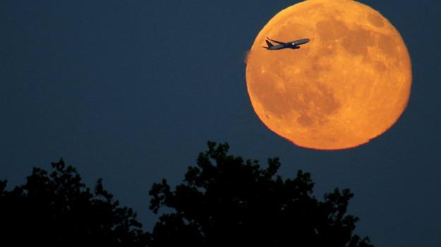 luna piena, natale, Sicilia, Società
