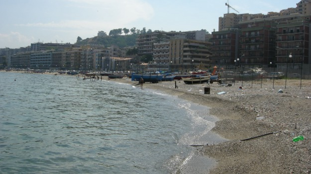 ecstasy, indagati, messina, morta, sedicenne, spiaggia, Messina, Cronaca