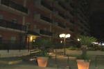 Bimba di 7 anni gù dal balcone: le immagini da via Corradino di Svevia - Video