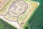 Robin Williams in un ritratto realizzato con un... trattore - Foto