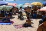 In arrivo nuovi cestini lungo la spiaggia di Mondello