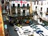 Rissa a Palermo con caschi e bottiglie, paura alla Vucciria: due giovani feriti