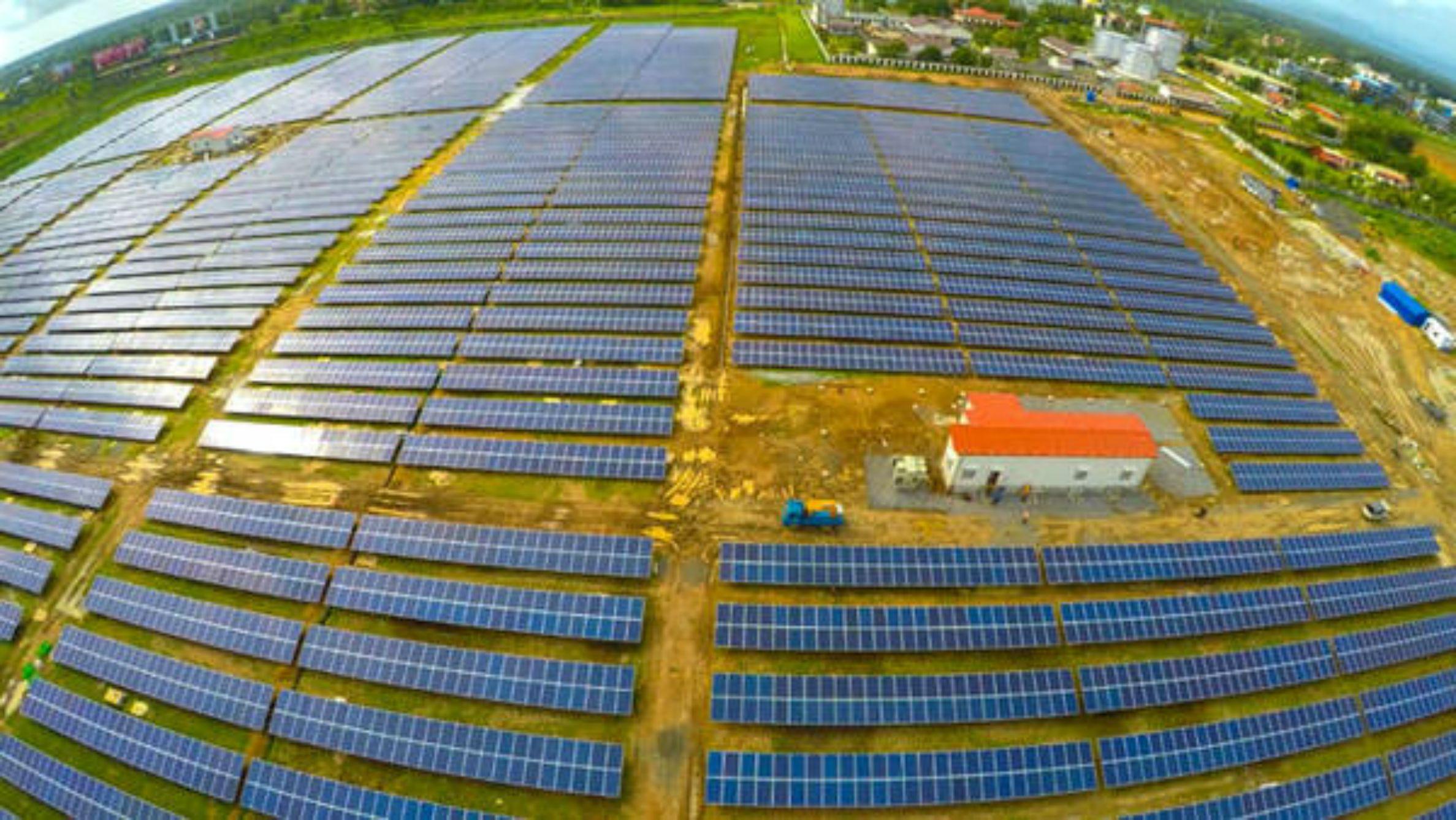 Energia Solare In Sicilia in india il primo aeroporto alimentato solo da energia