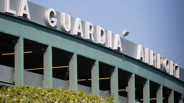Aeroporto, polizia, sparatoria, Sicilia, Mondo