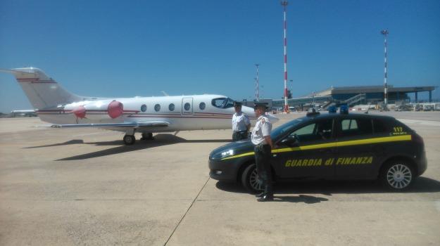 Aeroporto, aerotaxi, evasione fiscale, guardia di finanza, Palermo, Palermo, Cronaca