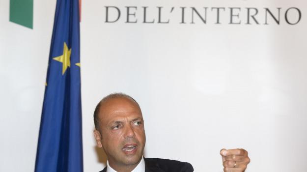 immigrazione, mare, ministro dell'interno, morti, naufragio, Angelino Alfano, Sicilia, Politica