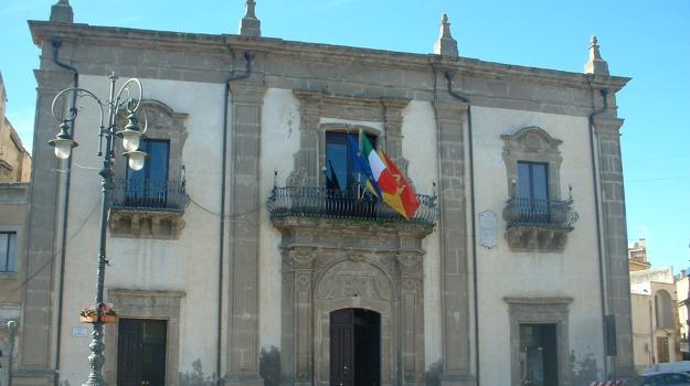 case popolari, Regalbuto, Enna, Cronaca